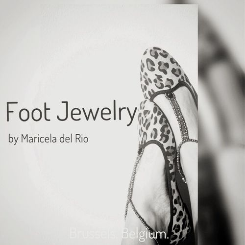 F O O T J E W E L R Y _________ Barefoot Jewelry Animalprint Blackandwhite Shoppingonline Mariceladelrio Anklet Bijoux