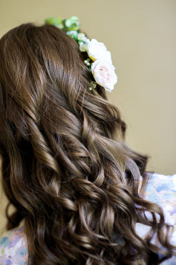 Hairstyles Wedding Beauty Care Brown Hair Close-up Curly Curly Hair Flower Flowering Plant Flowers Hair Hairsalon Hairstyle Hairstylist Headshot Human Hair Indoors  Long Hair One Person Plant Portrait Studio Shot Wedding Hair Wedding Hairstyles Women