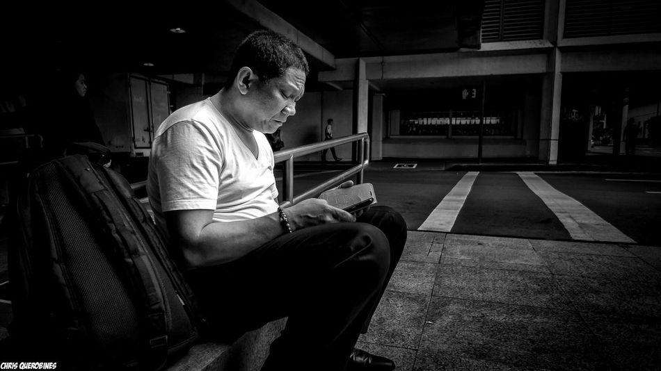 Missing home... Fatherhood  Streetphotography Black And White Photography Street Photography Makati EyeEm Best Shots The Street Photographer - 2015 EyeEm Awards EyeEm Gallery Sadness