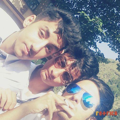 Bht Mushkil hui thi Selfie lete hue :p Collegetrip Senior ThemShades *_*
