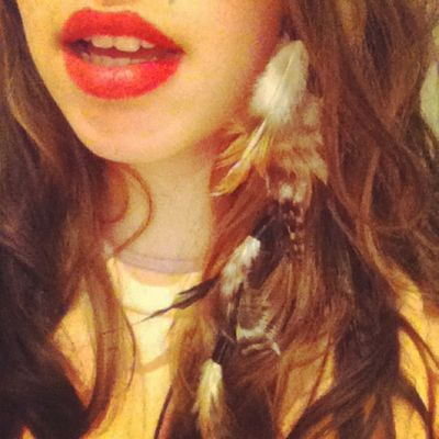 Indiekids Foreveryoung  Feathers Longhair goodvibes kickback throwback beauty makeup red