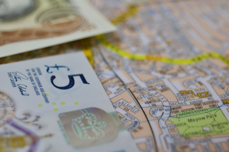 Fiver Bank Close-up Currency Currency Notes Dinheiro Five Pound Note Fiver London Map Macro Macro Photography Macro_collection Map Mapas Money Money Money Money Quid Selective Focus Text Let's Go. Together.