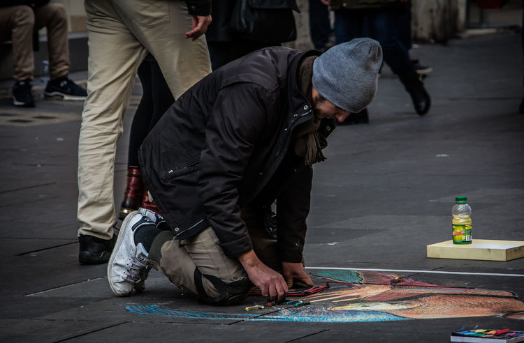 One Person One Man Only People Adults Only Only Men Day Outdoors Painter Streetpainter Street Paint Rome Italy Colours Scenics EyeEm Best Shots Beauty Trasportation Real People City Street Cityscape Colour Of Life Cultures Adult Nikonphotography Lost In The Landscape Second Acts
