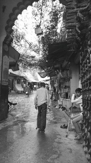 The Street Photographer - 2017 EyeEm Awards Men Architecture Built Structure History Worldwide_shot Magazine Indianphotographer Mobilephoto Photosfromindia Indiapictures EyeEmNewHere EyeEm Vision Rajasthandiaries Rajasthan Monochrome Portrait Forts Of India Forts Visionphotography Doorways