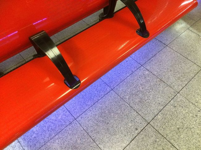 Chairs Travel Colour Red schiphol