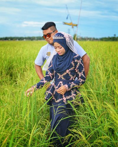 EyeEm Selects Two People Agriculture Field Togetherness Nature Men Adult Outdoors Rural Scene People Day Growth Happiness Adults Only Grass Cereal Plant Sky Working Young Adult Only Men
