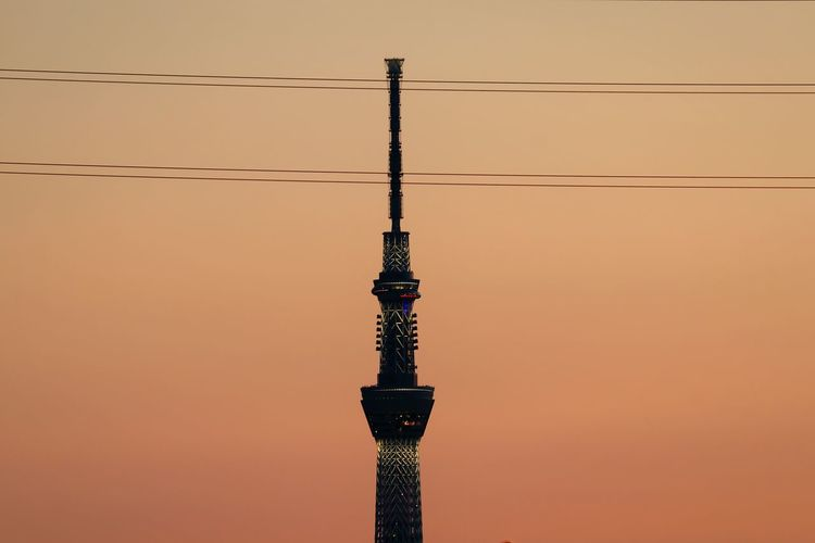 Sunset Orange Sky Tower Japan Sunsets Sunset_collection Skytree Tokyoskytree Tokyo Illuminated Wires And Sky