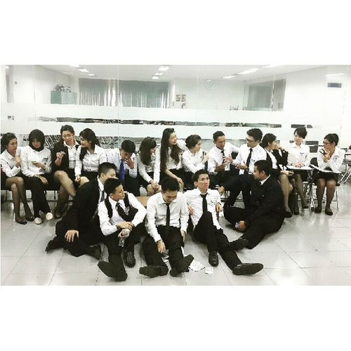 The best teamwork comes from men who are working independently toward one goal in unison. Angkatan40 Candidmoments