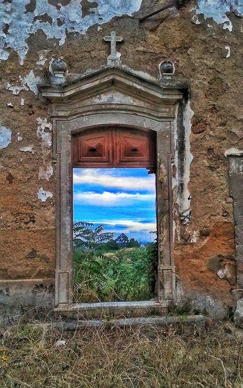 Abandoned House, Church, Chapel ?? History Lisbon Portugal My Edit