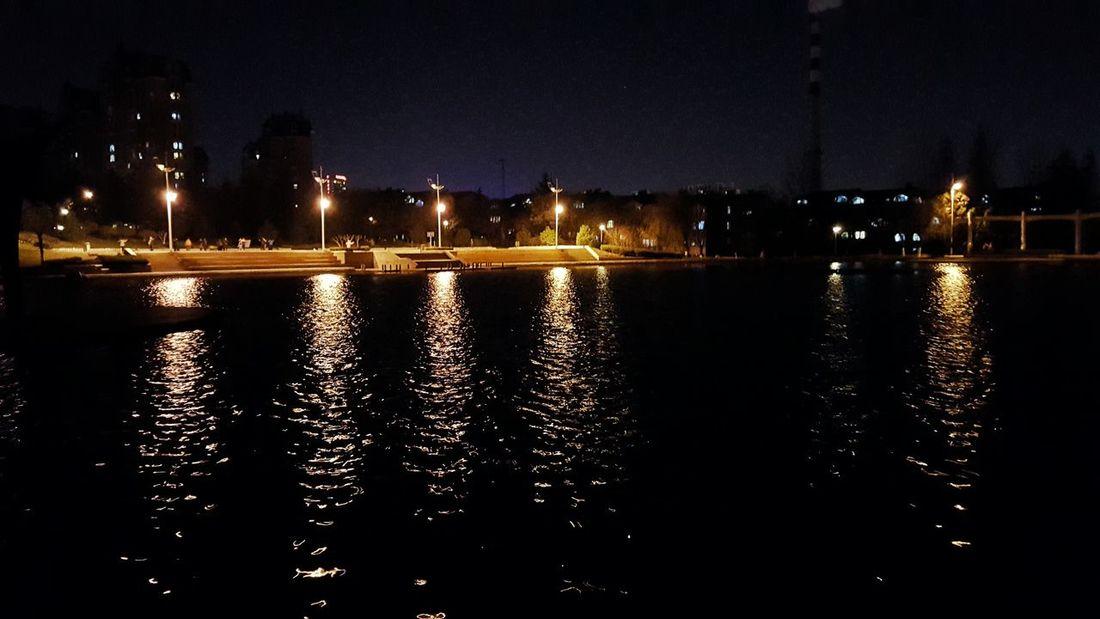 楼下公园夜景