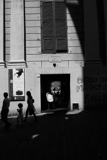 Silhouettes Family Genova Holiday Silhouette Traveling Architecture Building City Group Group Of People Italy Leisure Activity Lifestyles Monochrome Street Streetphotography Travel Destinations Walking