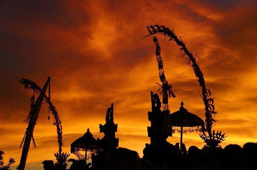 Sunset Silhouette Cloud - Sky Sky Orange Color Statue Sculpture No People Outdoors Built Structure Architecture Nature Day Bali Shillouette Kecak