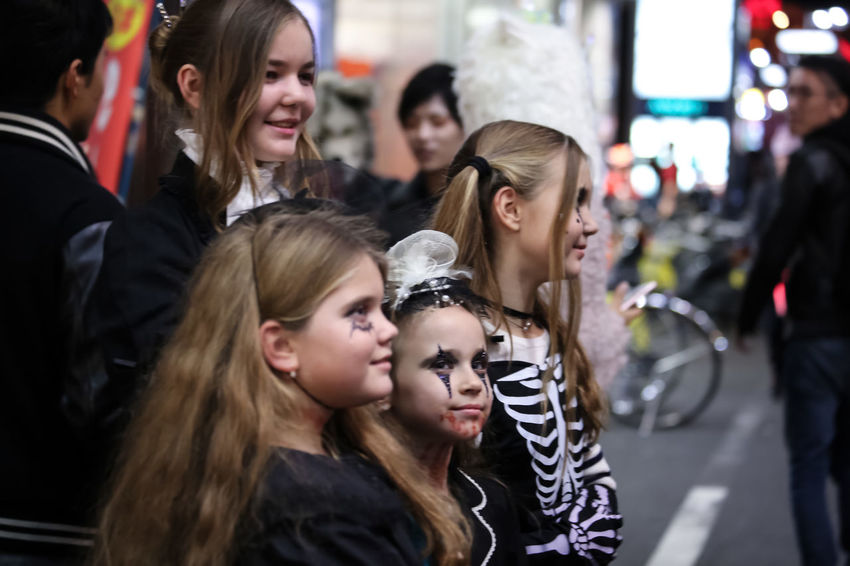 Live for the story Happy People Holloween Holloween Street Shot ! Holloween Tokyo Live For The Story Real People The Street Photographer - 2017 EyeEm Awards We Are Young Young Age Young People Young People Happiness Young People In Tokyo