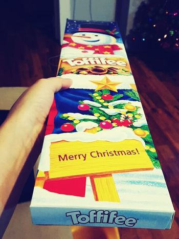Toffifee MerryChristmas Gift Hand