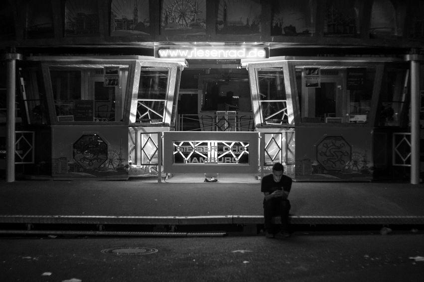 Dom Entrance Fairground Hamburg Handy Night Nightphotography Street Street Photography Streetphoto Streetphoto_bw Streetphotography