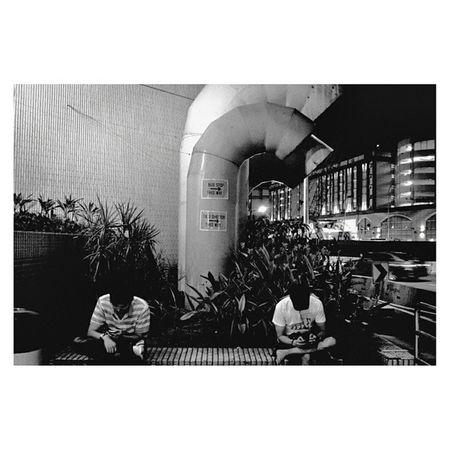Somewhere in Singapore   Leicam6 35mm Neopan blackandwhite film   analogphotography leica travel documentary monochrome streetphotography