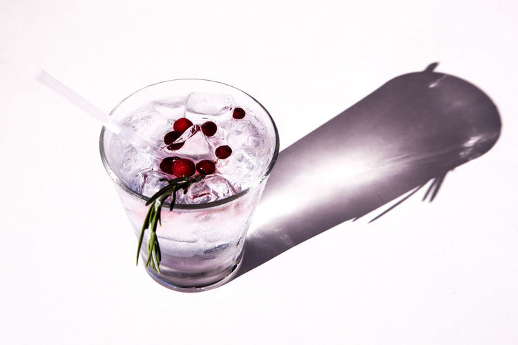 Gin Tonic Alcohol Cranberries Drink Drinking Glass Food Food And Drink Freshness Gin Tonic On Ice Napue White Background The Week On EyeEm Visual Creativity 10