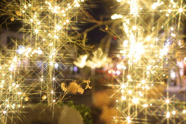 クリスマスまでのイルミネーション❄🎄🌟❄あと1週間🎅🏻 Illuminated Defocused Backgrounds Christmas Decoration Celebration Firework Display Christmas Firework - Man Made Object Glowing Sky
