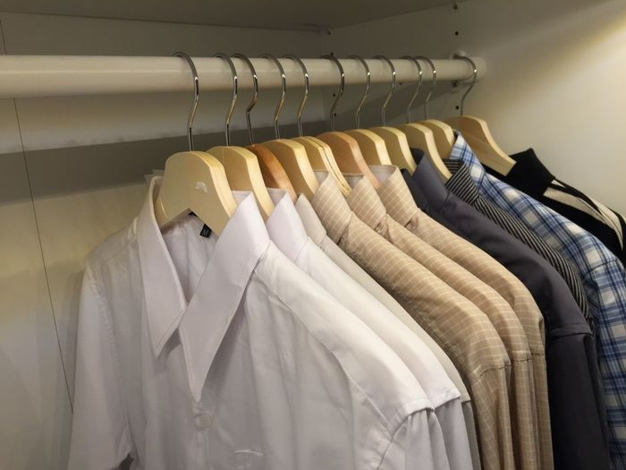 Choice Close-up Clothing Coathanger Day Fashion Hanging In A Row Indoors  Men Shirt Multi Colored No People Rack Retail  Shirt Store T-shirt Variation
