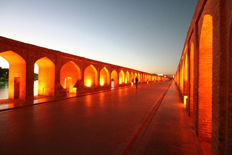 Ponts Pont Architecture Architecture_collection Bridge - Man Made Structure Old Bridge Old Bricks Aube Sunrise Alone In The City  Full Frame Hot Colors Isfahan,IRAN Isfahan Art Ispahan