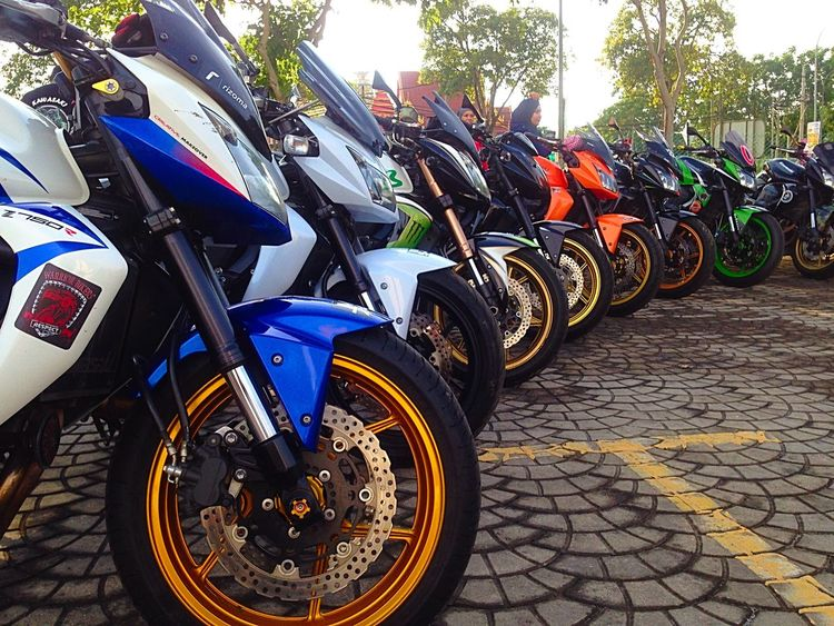 Z750  line up Superbike Malaysia ride to Penang