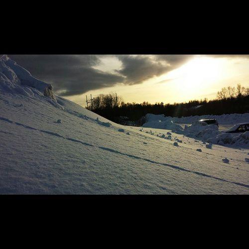 That's the sun. At noon. TrashinTromsø Arcticcircle Snow Lowwintersun Tromsø Norway norwayproblems