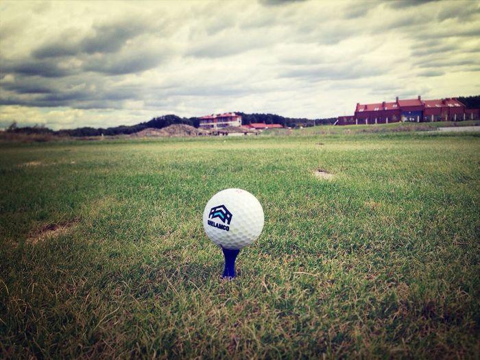 Golfing Skyporn