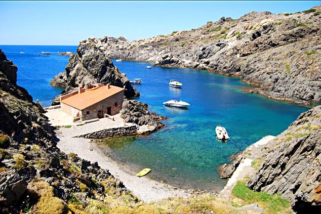 Enjoying Life Paradise Cala Prona Sea Mountains Nature Beautiful Place Amazing Colours Relaxing Diferent Beach Taking Photos Day Out Nature_collection Alt Empordà Bestoftheday Hello World Catalunya Good Vibes Exploring Cap De Creus Magic My Country In A Photo Summer