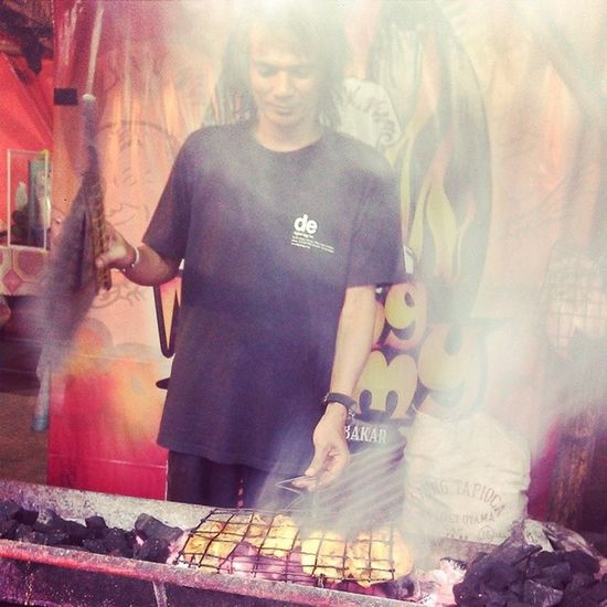 Ikan bakar enak bang temmy menyediakan ikan bakar nila dengan bumbu khas padang http://www.televisinet.com/2014/05/ikan-bakar-enak-ikan-bakar-nila-bang.html?m=1 Indonesianfood Kulinerbandung Kuliner Culinary Indonesianculinary VSCO Vscocam