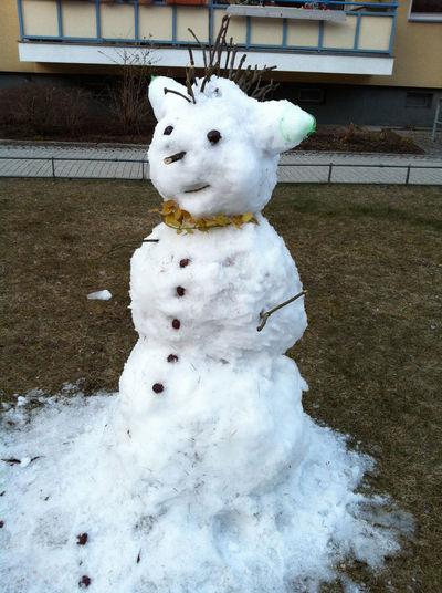 Schneemann Schneefrau Frühling Spring Springtime Snowwoman Berlin Oberschöneweide