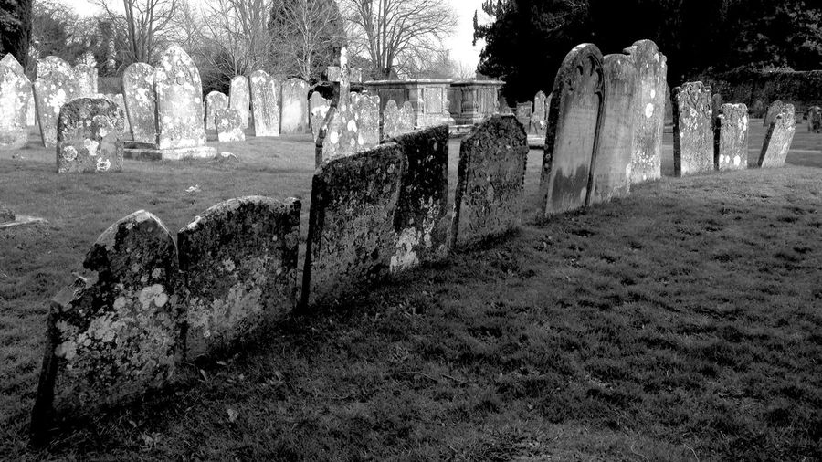 Graveyard Beauty Graveyard_dead Blackandwhite Black And White Bnw Malephotographerofthemonth Light-Play Abandon_seekers Black And White Photography Bw_collection