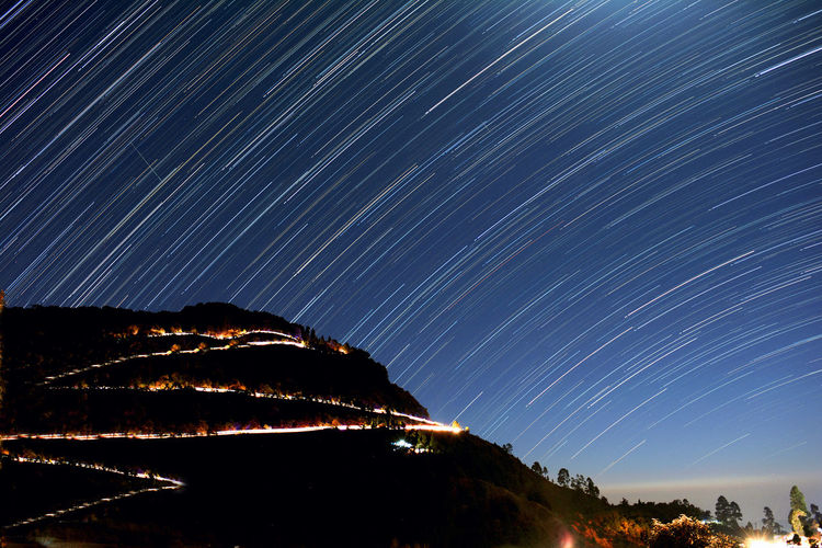 Srat-trail and light trail Light Trails Night Photography STARS IN HEAVEN ALIGN Astronomy Beauty Of Night Earth Rotation Illuminated Moon Lights Up The Night Mountain Night Star Trail