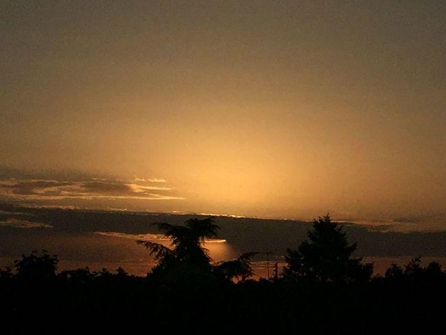 Sun Soleil Soleil Couchant Coucher De Soleil Sun And Clouds Soleil Et Nuages