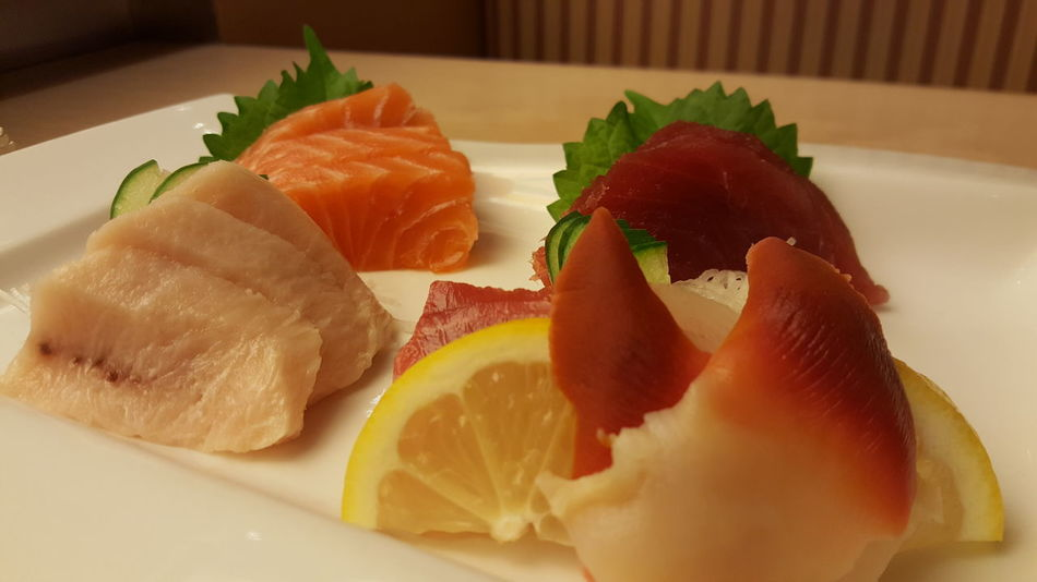 Sashimi Platter SLICE Food Freshness Close-up Ready-to-eat Gourmet Sashimi  Plate Table Lemon Slice Perilla Leaf Salmon Sashimi Tuna Sashimi Swordfish