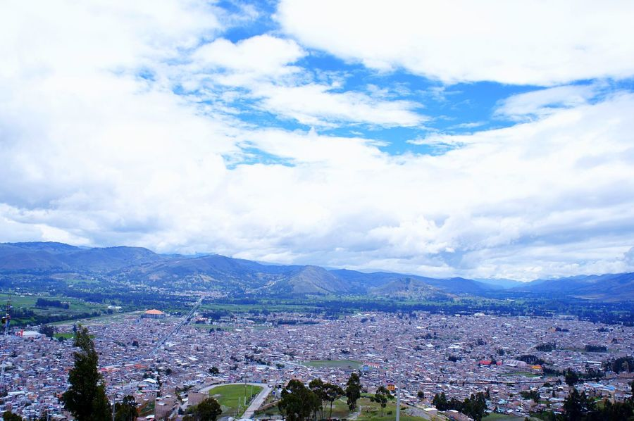 Whole view 🏞 Cajamarca-Perú Sky Mountain Cloud - Sky Building Exterior Mountain Range Cityscape Nature Scenics Built Structure City Beauty In Nature Outdoors Landscape Tourism Country Beautiful EyeEm Gallery Laviniafenton Beauty In Nature Nature Lookout Peaceful EyeEmNewHere Farm Life