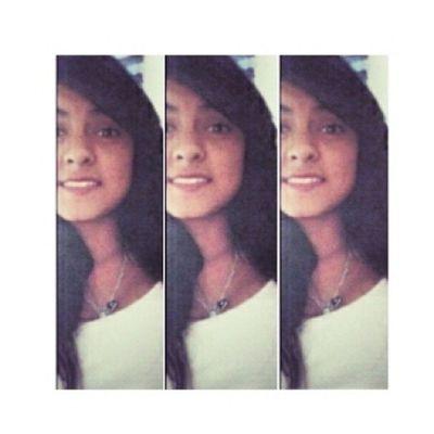 Si amas a dos personas al mismo tiempo, elige a la segunda, porque si en realmente amabas ala primera no te hubieras enamorado de la segunda♥? Teadoro ! Buenatardepibes✌ BPML💔