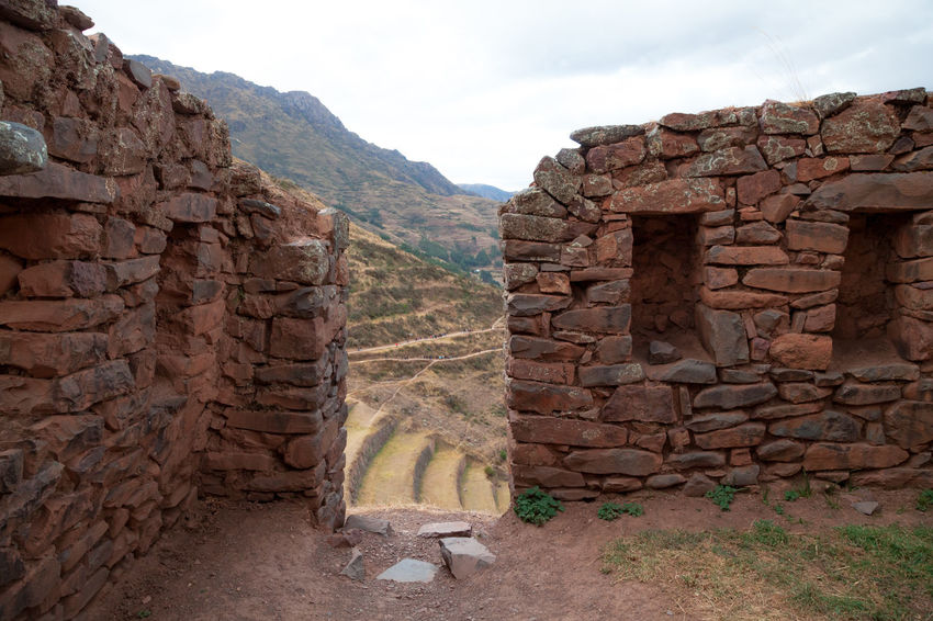Pisac Perú Ruinas Incas Piedra Mountain Sky Stone Wall Solid Rock Nature Architecture Wall Built Structure Rock - Object No People History Day Mountain Range Landscape Outdoors Rock Formation Scenics - Nature The Past Land Ancient Civilization Brick Formation