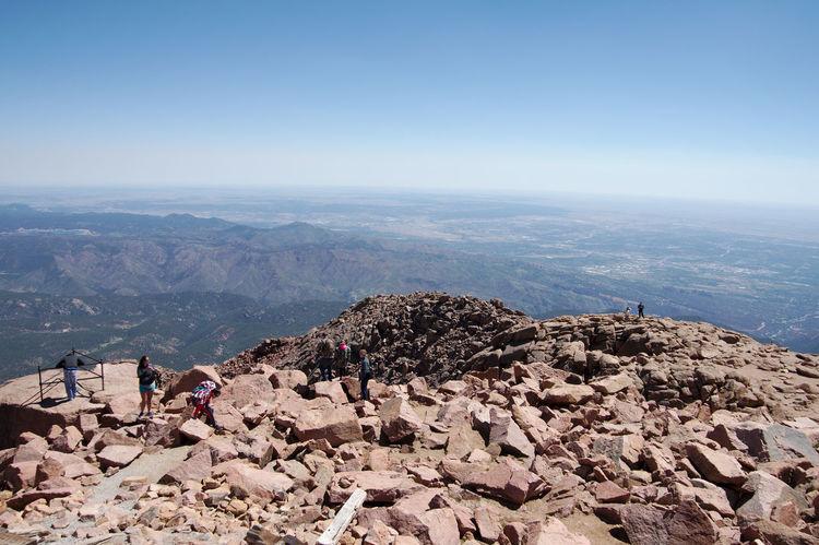 people on the edge Beauty In Nature Pikespeak Highaltitude Highaltitudephotography Rocks People Tourism Tourist Destination Tourist Attraction