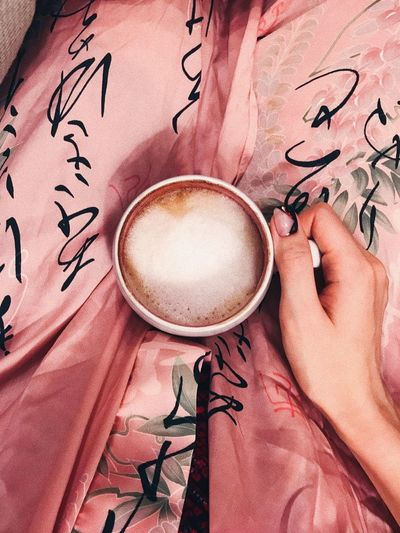 Coffee Cup Coffee - Drink Drink Human Body Part Indoors  Food And Drink Refreshment Only Women Holding Human Hand Cappuccino Frothy Drink