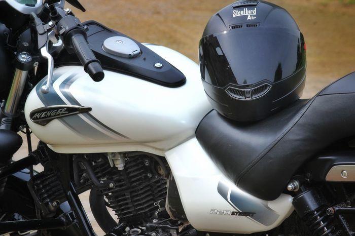 Born to Ride Bajajavenger220 Bajajavenger Avenger Bikelife Bike Steelbird Avenger220 Feellikegod Ride Bateshwar