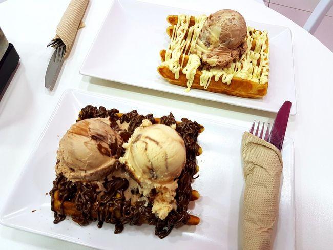 Ice Ice Cream Gofre Food And Drink Food Sweet Food Indoors  Dessert Indulgence Baked