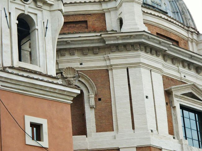 Building Exterior Architecture Built Structure Low Angle View Rome Rome Italy🇮🇹 Rome View Rome Through My Eyes Rome_bigcity Romesweethome Detailphotography City Detail Low Angle View Architecture Details Architecture_collection Architecture Window Outdoors No People Day