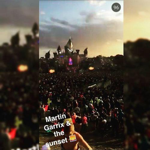 Martin garrix killing it at Tomorrowland Tomorrowlandbelgium Official2015tomorrowlandwarmup Tomorrowlandofficial Tomorrowland2015 tomorrowworld martingarrix sunshine rainbow killingitattomorrowland