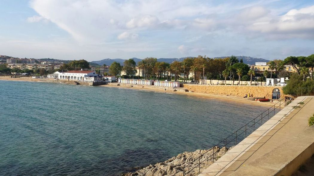 Water Sky Built Structure Waterfront Meer Spanien Strand Beach 2015  Herbst Sonne Himmel Und Wolken Grün Palmen Sant Feliu De Guixols