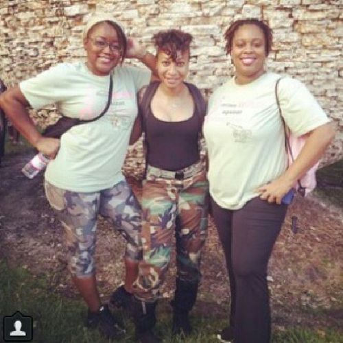 Team BLACKHART BLESSINGS declared war against breast cancer today at the making strides against breast cancer walk. Makingstridesagainstbreastcancer BlackhartBlessings Familysupport Charity Honor breastcancer awareness