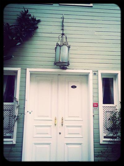 Soğukçeşme Sokağı Authentic Lamp Door