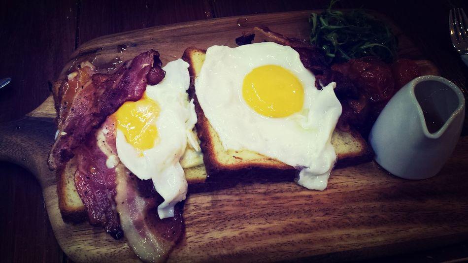Mr Bacon and Ms Sunny TheBreadeats Cafehoppingsg Singapore Alldaybreakfast