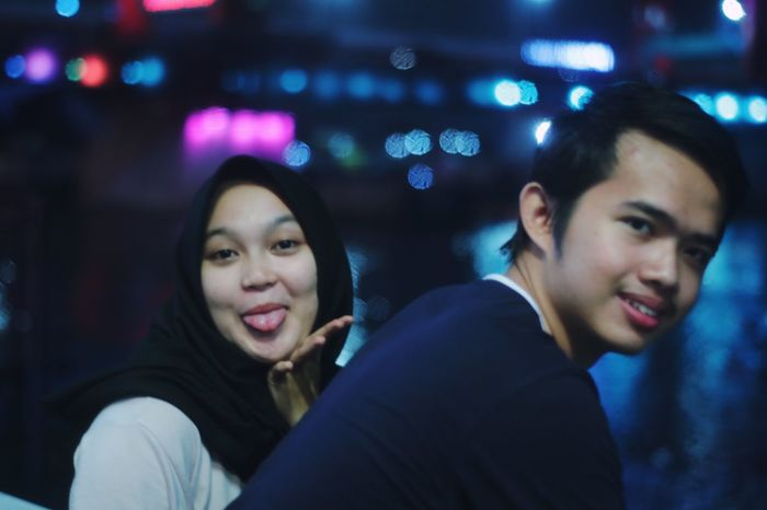 You smile, i smile Beautiful Handsome person Future Ampera Ampera Bridge Blur Two People Togetherness Night Young Adult Adult Young Women Leisure Activity Men Real People Love Emotion People Illuminated Portrait Positive Emotion Looking Young Men Women Smiling Couple - Relationship