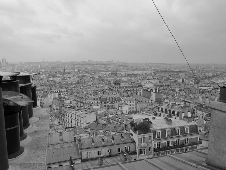 sur les toits de Paris... Rooftop Roof Paris Blackandwhite Outdoors Sky City Day Cityscape Architecture No People