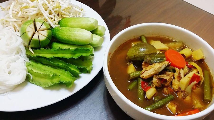 แกงไตปลา อร่อยมาก...🍲🍜🍻 แกงไตปลา Eating Thai Food